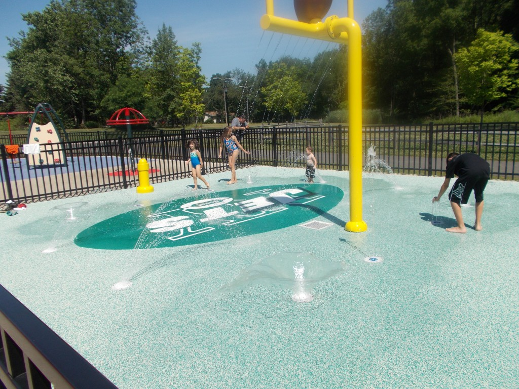 Snyder ave park your complete guide to nj playgrounds for Pool show new jersey