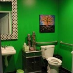 I know it seems wierd to photograph a bathroom, but this one is super cute and brand new!