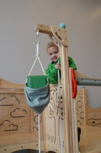 Check out the pulley to transport blocks!